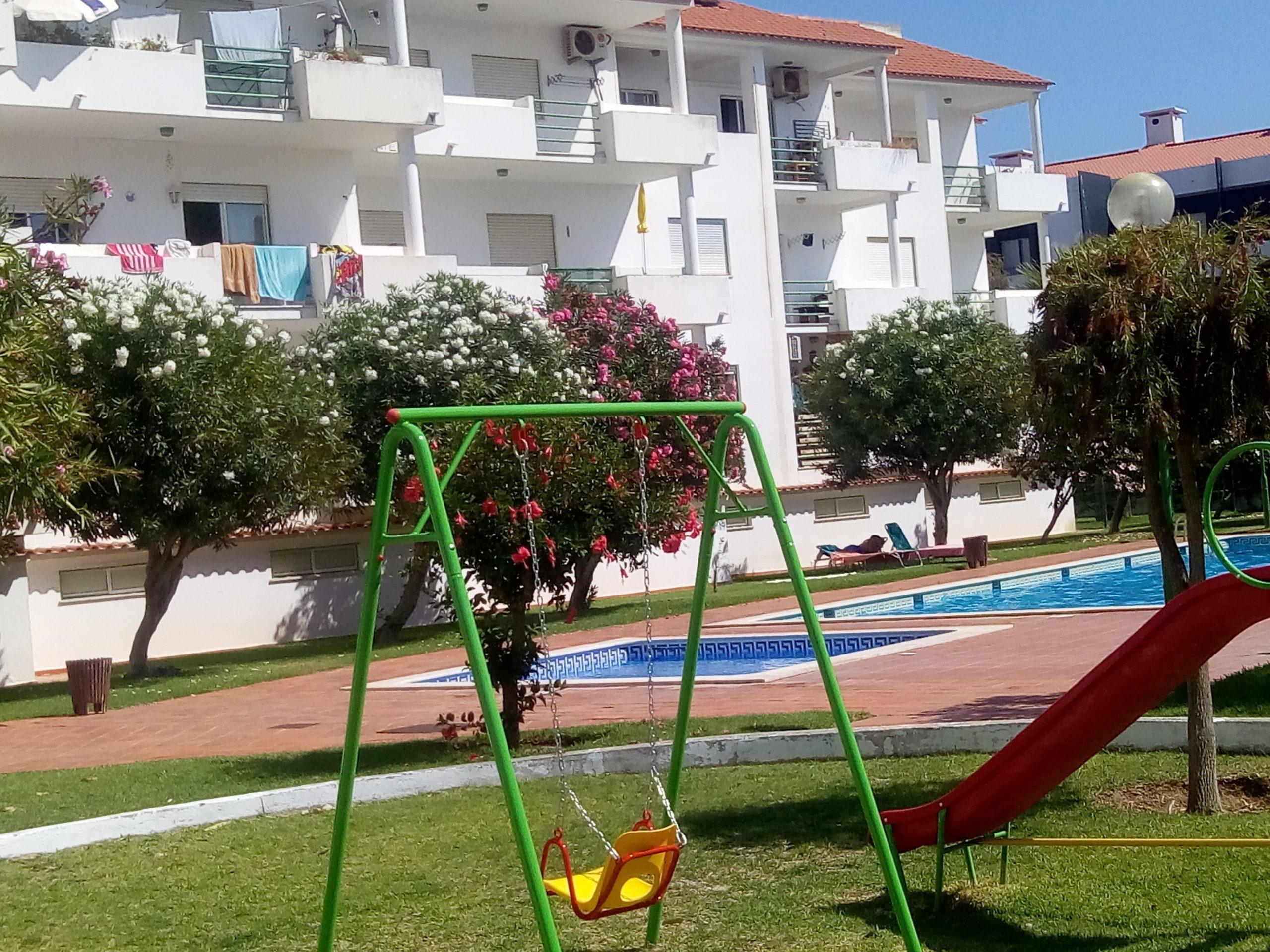 Holiday apartments and villas for rent, Apartamento 4 pessoas à beira mar com piscina Albufeira in Albufeira, Portugal Algarve, REF_IMG_15094_15096