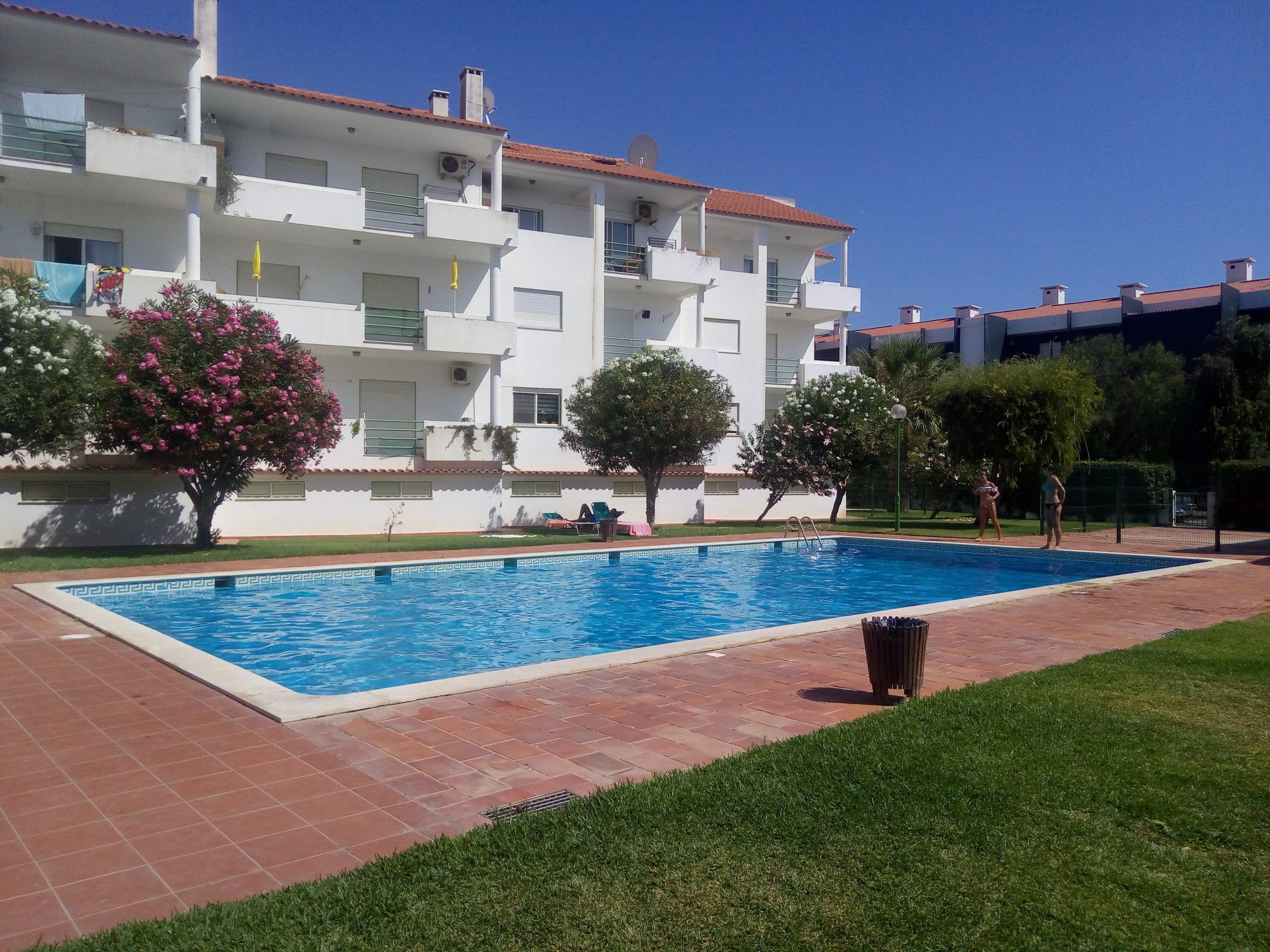 Holiday apartments and villas for rent, Apartamento 4 pessoas à beira mar com piscina Albufeira in Albufeira, Portugal Algarve, REF_IMG_15094_15098