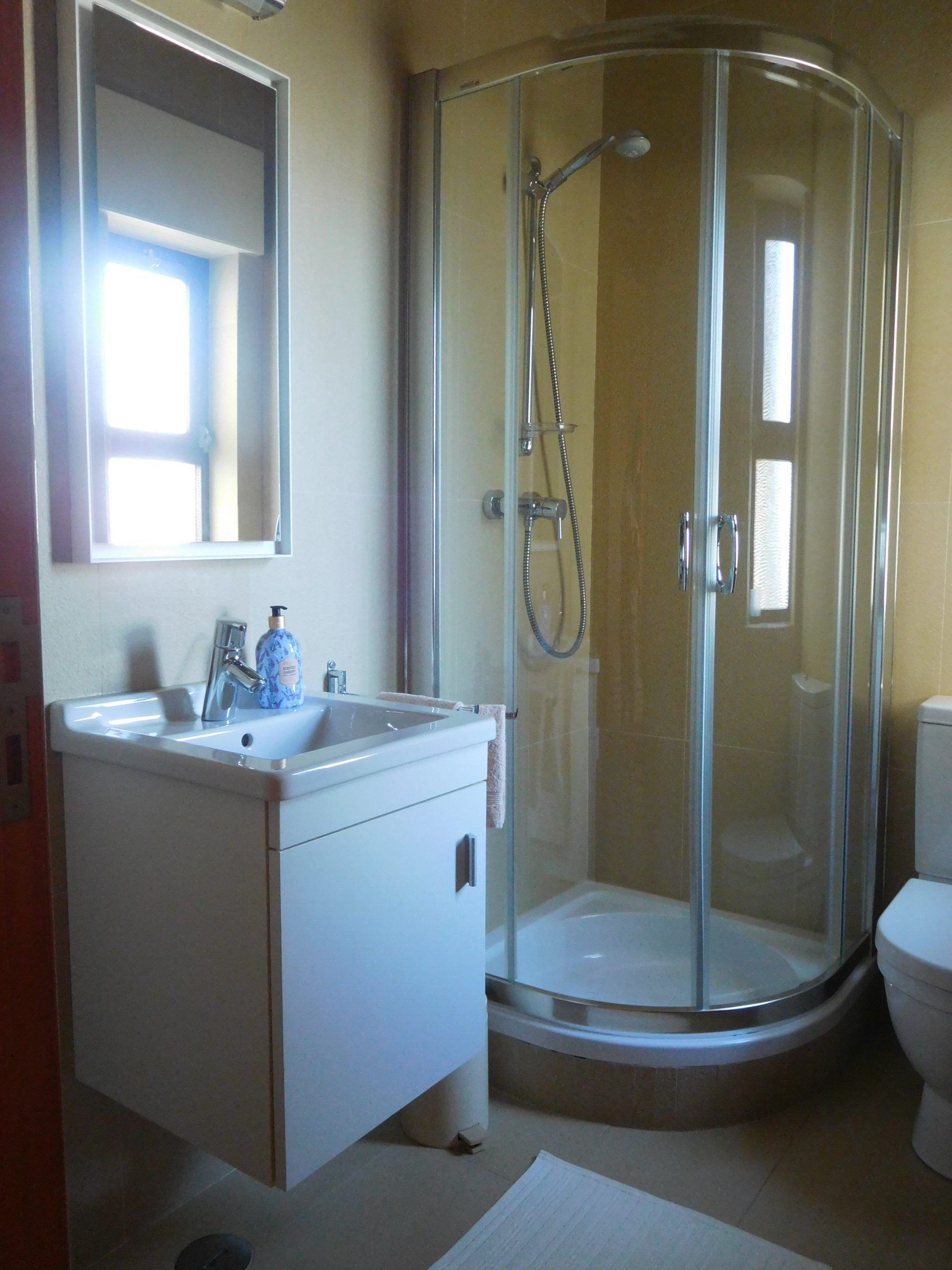 Apartamentos e moradias para alugar, Praia Dona Ana – Aluguer T1 em Lagos, Portugal Algarve, REF_IMG_15548_15560