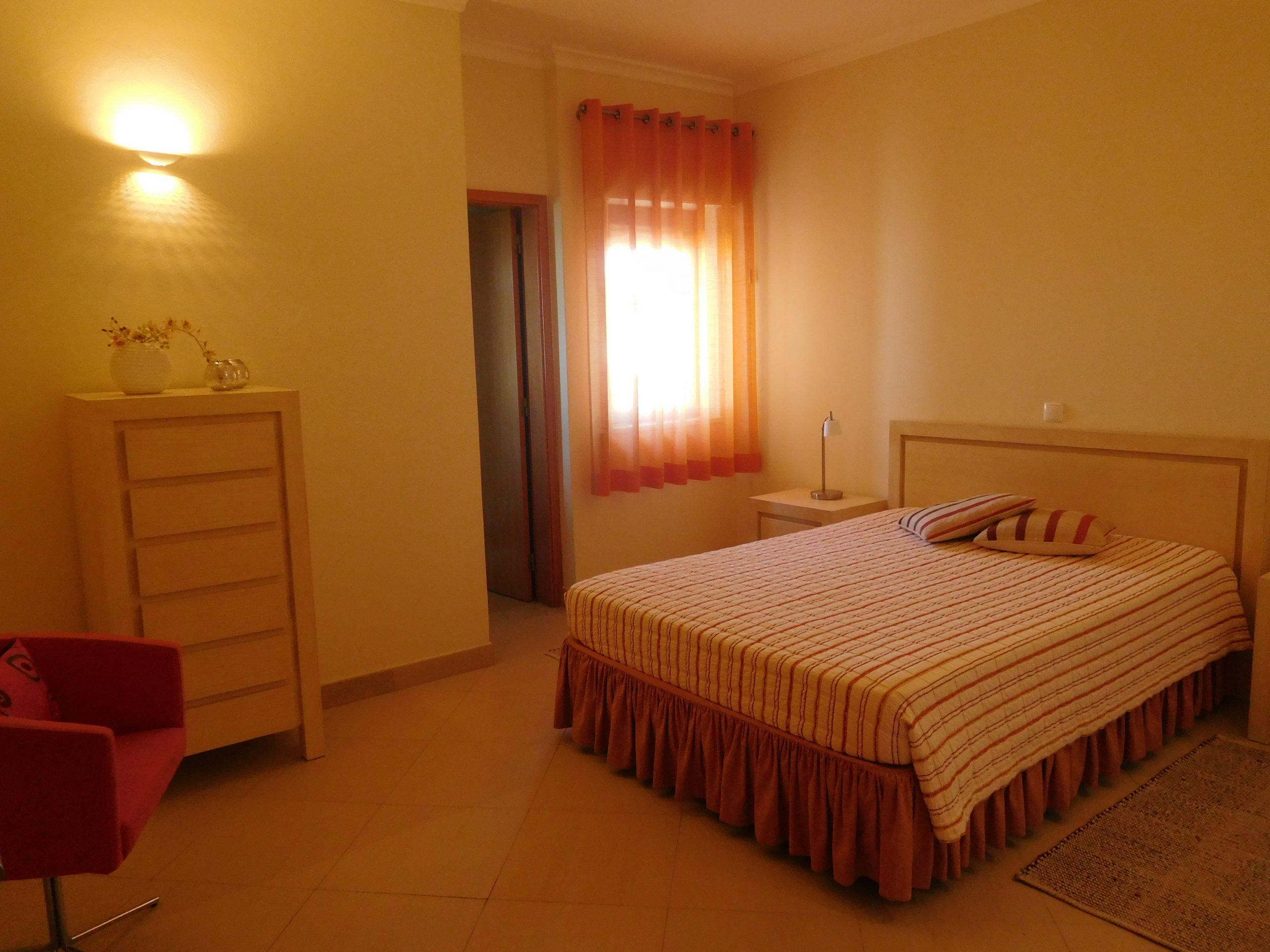 Apartamentos e moradias para alugar, Praia Dona Ana – Aluguer T1 em Lagos, Portugal Algarve, REF_IMG_15548_15565