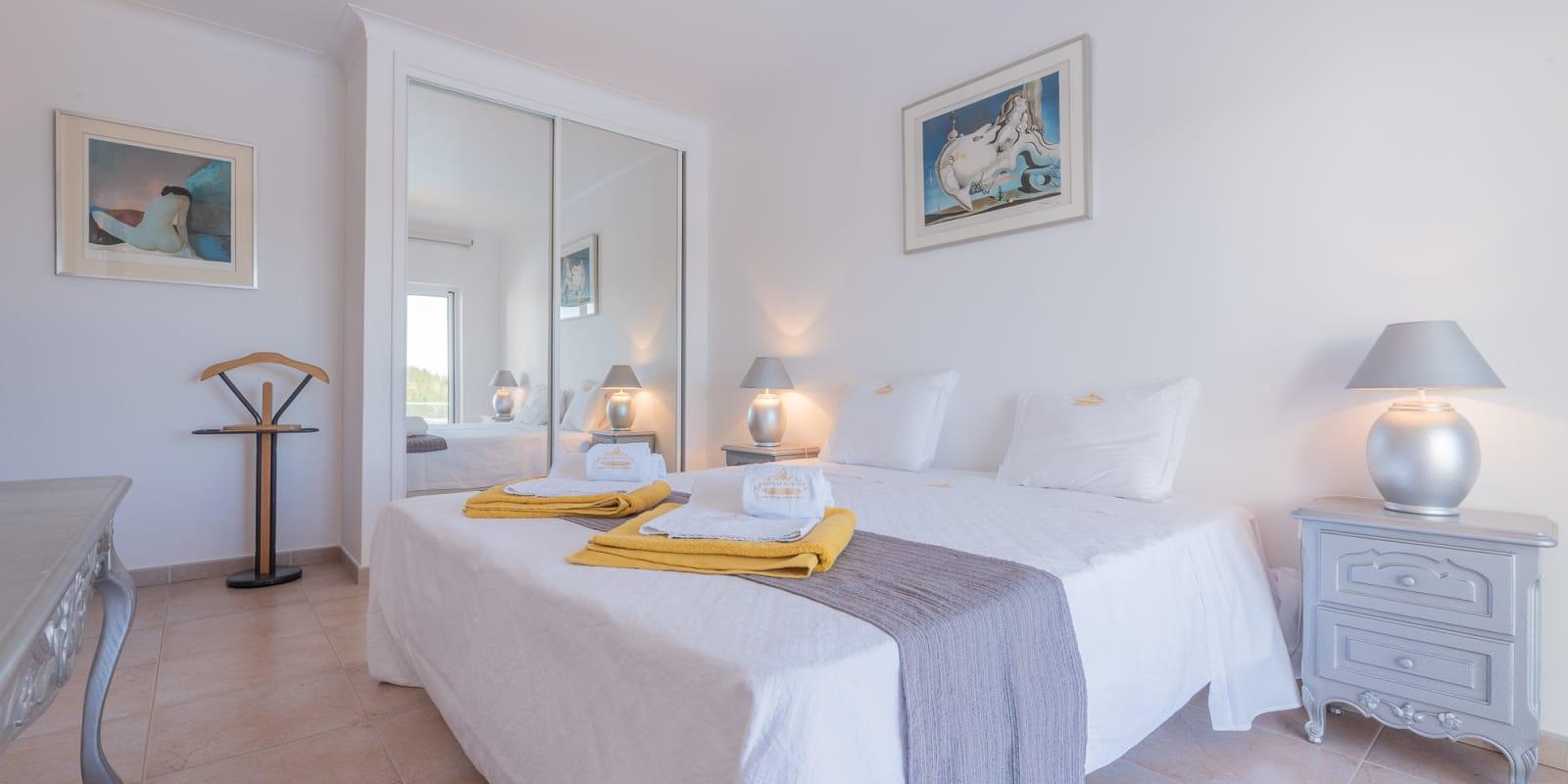 Apartamentos e moradias para alugar, Villa Parque da Floresta Golfe Resort em Budens, Portugal Algarve, REF_IMG_17409_17414