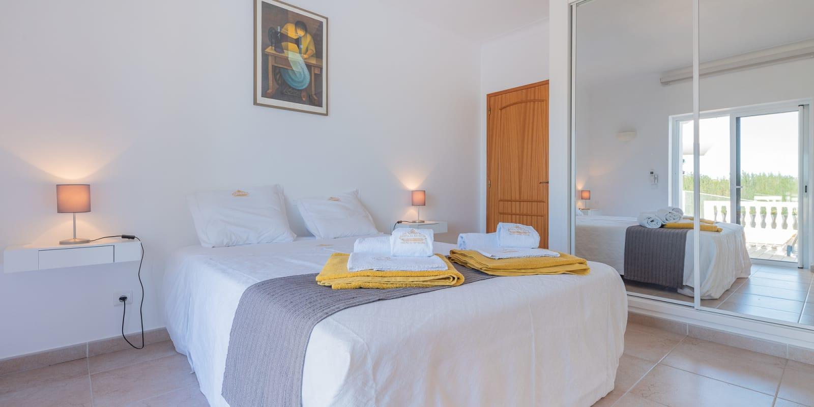 Apartamentos e moradias para alugar, Villa Parque da Floresta Golfe Resort em Budens, Portugal Algarve, REF_IMG_17409_17424