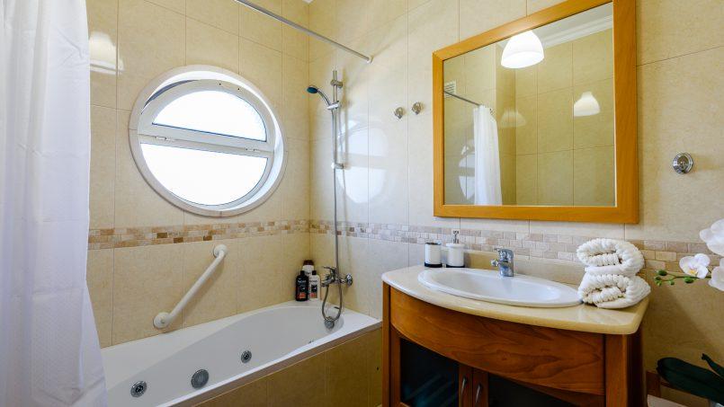 Location appartements et villas de vacance, New Ocean View Apartment with Terrace à Albufeira, Portugal Algarve, REF_IMG_15765_17366