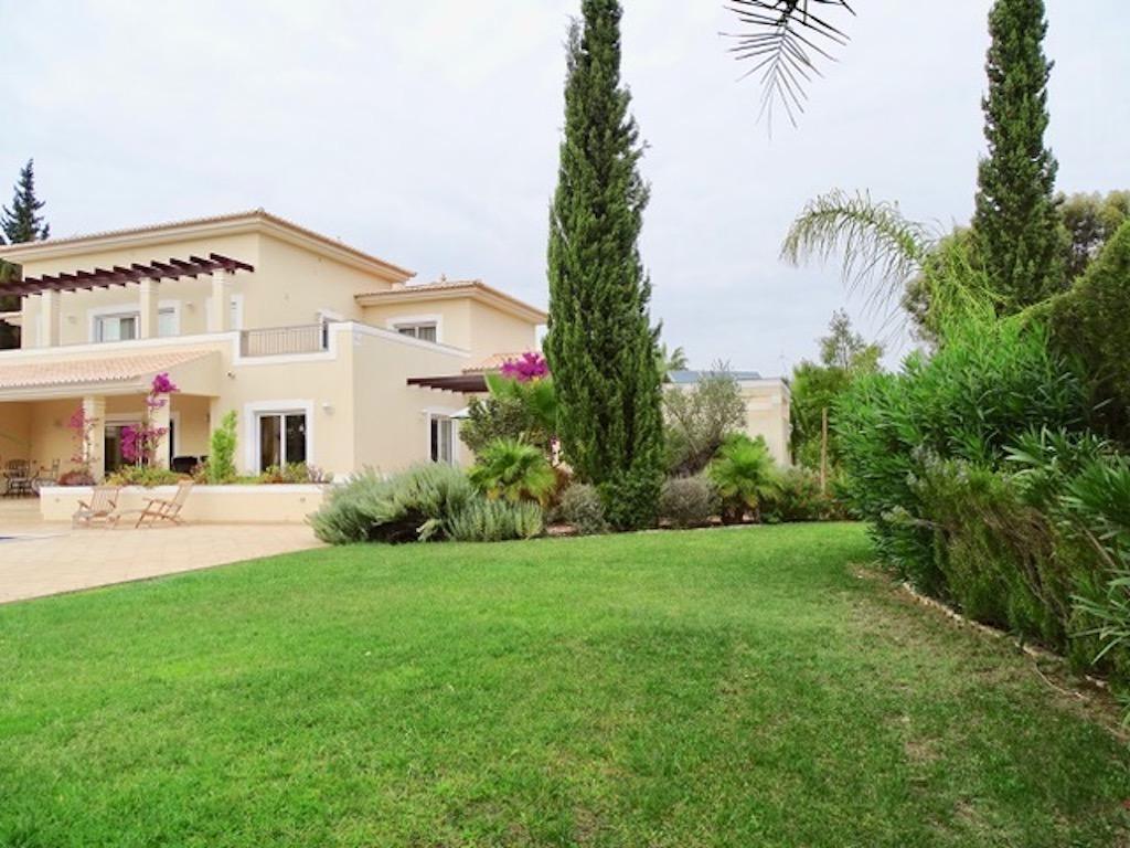 """Apartamentos e moradias para alugar, Charmante Villa dans le """" Parc Hotel Resort Golf """" de Pénina em Alvor, Portugal Algarve, REF_IMG_17719_17723"""