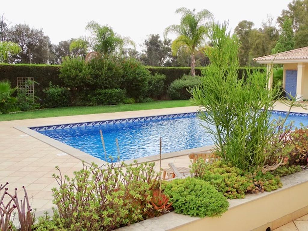 """Apartamentos e moradias para alugar, Charmante Villa dans le """" Parc Hotel Resort Golf """" de Pénina em Alvor, Portugal Algarve, REF_IMG_17719_17726"""