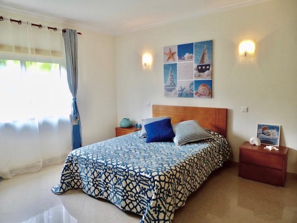 """Apartamentos e moradias para alugar, Charmante Villa dans le """" Parc Hotel Resort Golf """" de Pénina em Alvor, Portugal Algarve, REF_IMG_17719_17731"""
