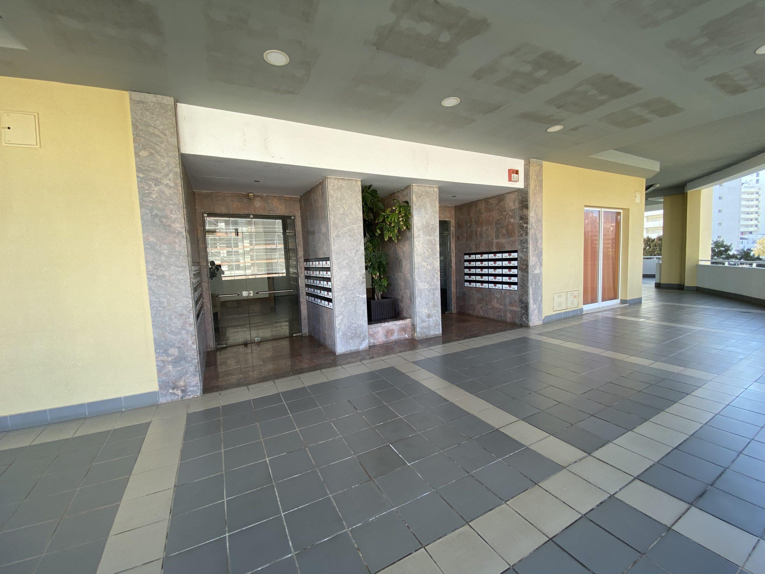 Holiday apartments and villas for rent, Apartamento Praia da Rocha in Portimão, Portugal Algarve, REF_IMG_17879_17885